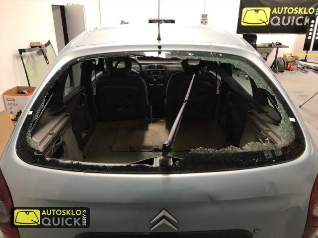 Výměna skla v našem servisu v Benicích www.asqs.cz #autoskloquickservis #autosklo #car #carglassrepair #carglassreplacement #servis